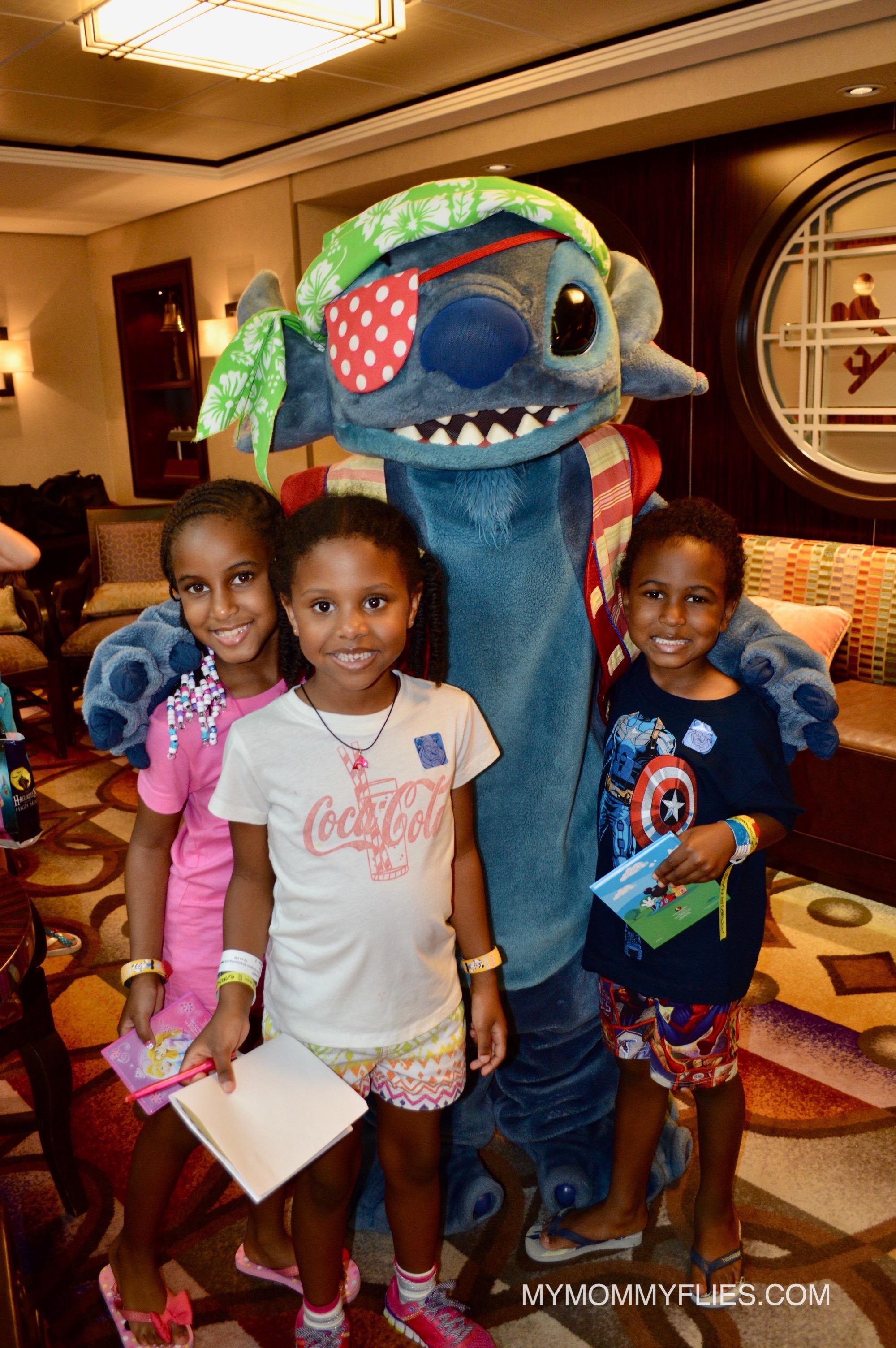 Disney_Stitch_Meet_and_Greet_Disney_Cruise_Line_Concierge